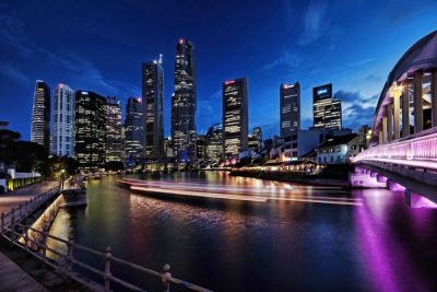 multiple-reflections-at-the-singapore-river-1_l